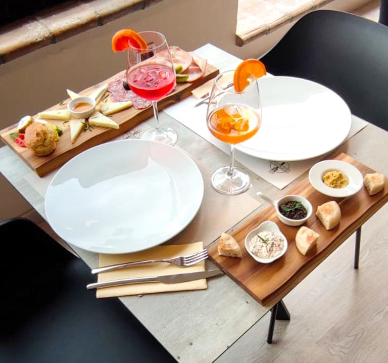 aperitivo-ristorante-frumentum-vacanze-in-umbria-perugia-hotel-le-grazie-assisi